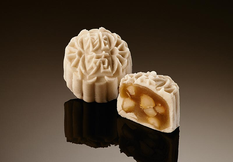 Mini Snowskin White Lotus Paste with Macadamia Nuts